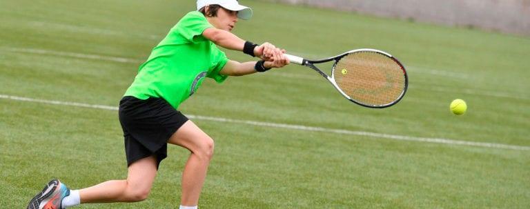 campo tennis estate ragazzi